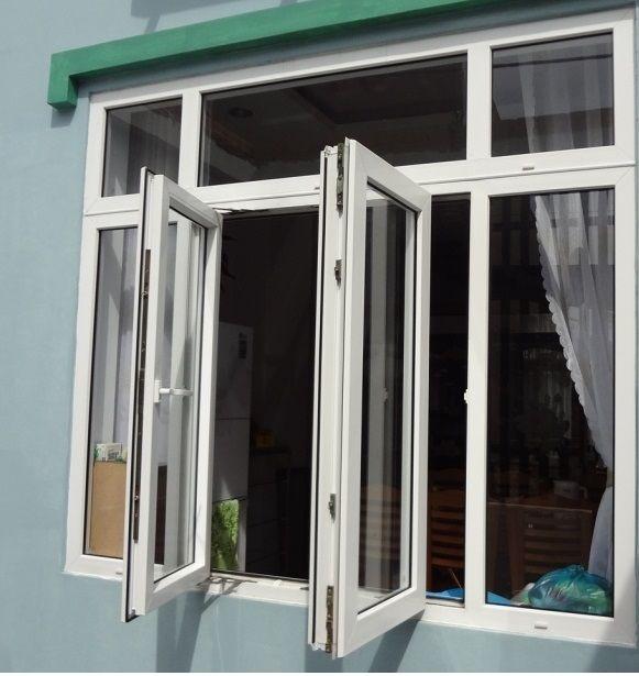 Mẫu cửa sổ nhôm xingfa màu trắng mở quay