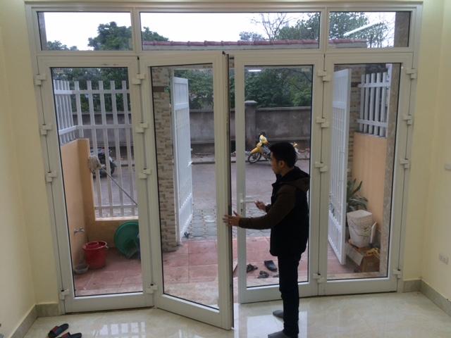 Mẫu cửa nhôm xingfa màu trắng hiện đại