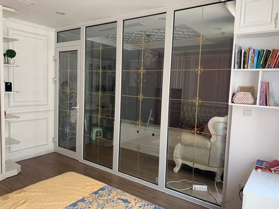 Mẫu cửa nhôm xingfa màu trắng chia ô đẹp