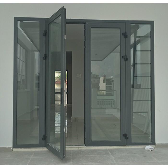 Mẫu cửa nhôm kính phòng khách đơn giản, hiện đại