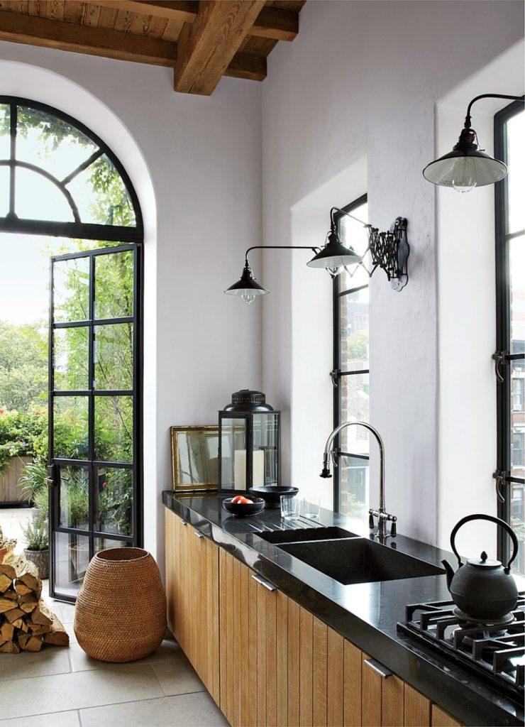 Mẫu cửa nhôm kính phòng bếp mái vòm độc đáo