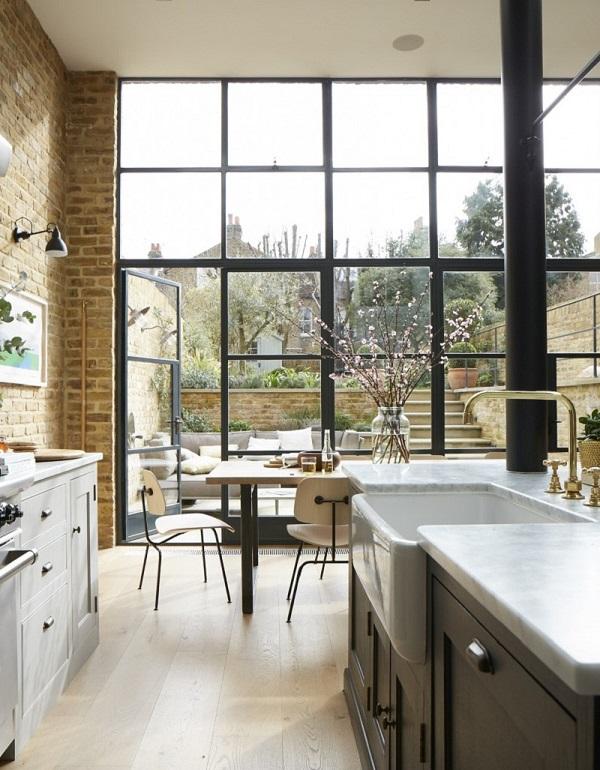 Mẫu cửa nhôm kính phòng bếp chia ô, hiện đại