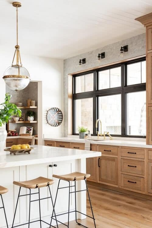 Mẫu cửa sổ nhôm kính phòng bếp màu đen hiện đại