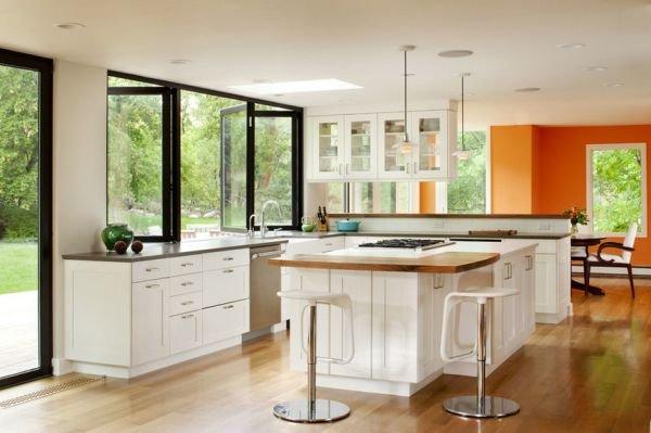 Bộ cửa nhôm kính phòng bếp màu đen đơn giản